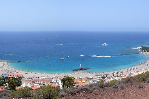 Playa de las Vistas beach in Los Cristianos